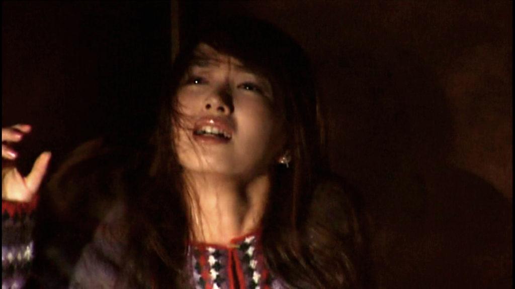 沢木 雪菜(さわき ゆきな)は、風間伸幸教授による超能力実験の末に「この世で最初の『アギト』」に覚醒してしまう。