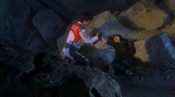 『ウルトラマンティガThe Final Odyssey』のラストシーンのカミーラ(演:芳本美代子)の最期の台詞「光…私も…欲しかった」