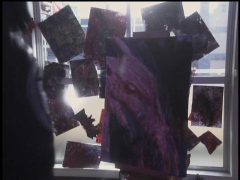 斎田リコが描いていた絵はノスフェルの肖像、不気味なビーストや襲われた人間の絵(主人公の恋人の斎田リコの部屋に飾られた大量の不気味な絵)。特撮史に残るトラウマシーンとして有名。