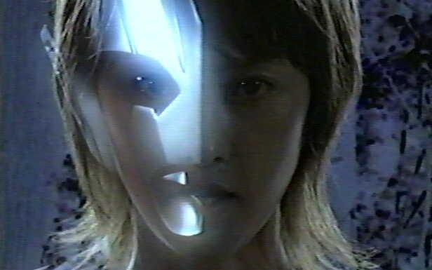 孤門の目の前でファウストへと変貌。斎田リコ「私はファウスト。光を呑み込む無限の闇だ。」