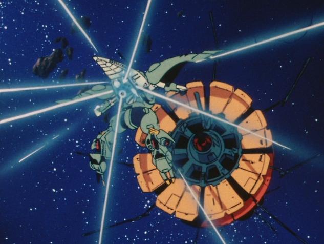 プルツーが駆る「クィン・マンサ」によって、巨大なラビアンローズがものの数秒で轟沈させられた。