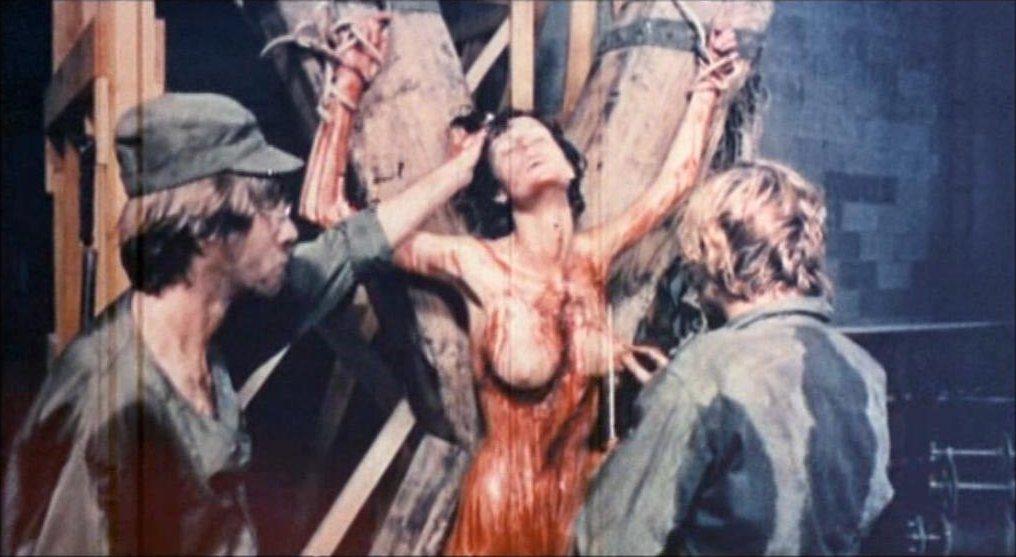 複数の女性がレイプされ、激しい拷問を受けているスナッフムービー。あまりにもリアルな演出だったので、本物の殺人に見えた。