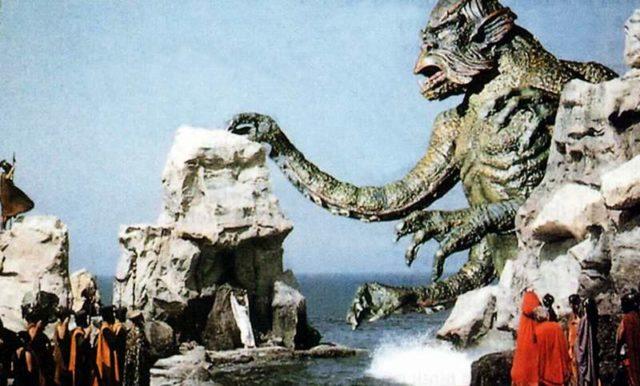 英雄ペルセウスの愛する王女アンドロメダは、大海獣クラーケンのいけにえに供えられてしまう。