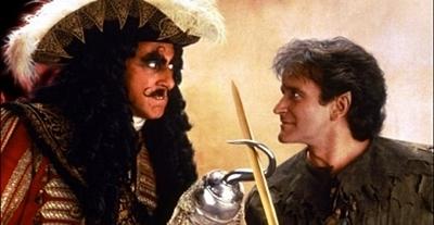 『フック』(1991年)に登場するフック船長と大人になったピーターパン
