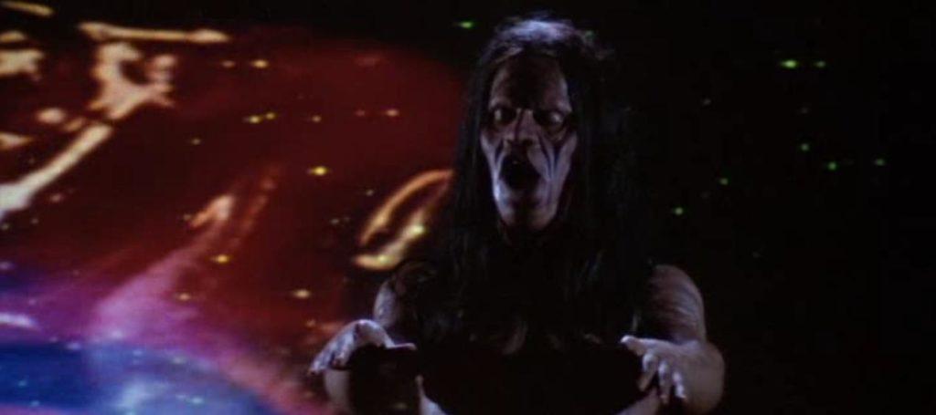 万物に宿る精霊<マニトウ>と古代インディアンの悪霊、そしてもはやSF映画の域に達しているクライマックスが話題になった。
