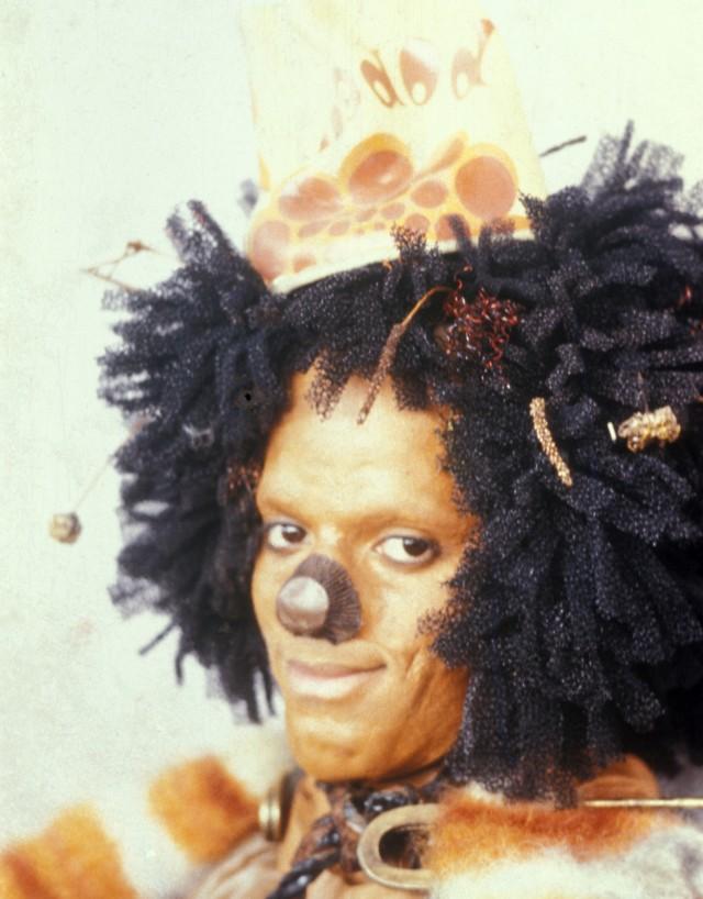 カカシを演じたのは若き日のマイケル・ジャクソン。彼の歌唱シーンは見所のひとつ。