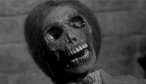 観客を震撼させた恐怖のショックシーン「ミイラ化したノーマンの母親」