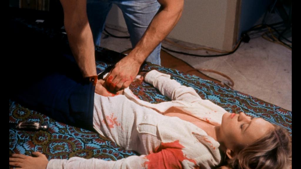 話題先行で大ヒットしてしまったという作品。『スローター(Slaughter)』というタイトルの低予算スプラッター映画に、撮影班によって情け容赦なく殺されるという新たな結末を付け加えたもの。