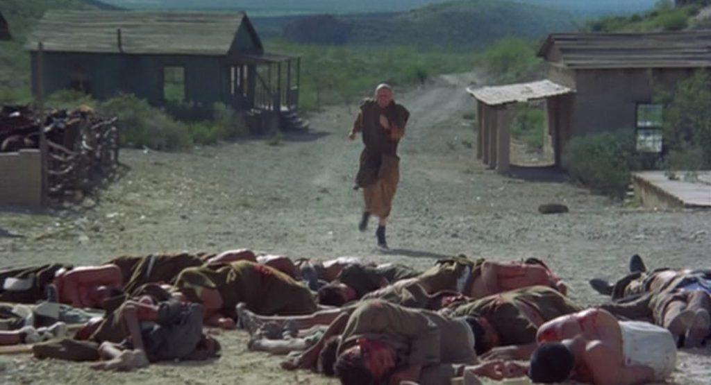 エル・トポの静止も聞かずに町へと喜び向かったフリークス(奇形達)は住民達に皆殺しにされる。