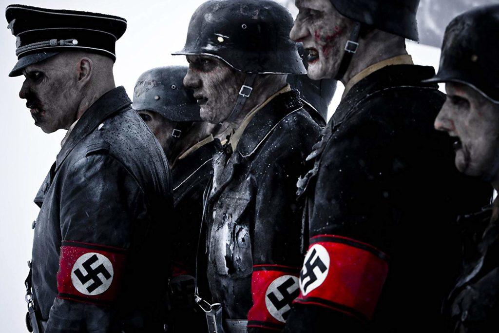 バカンスを楽しもうと冬山へ出掛けた8人の医学生たちが、第二次世界大戦末期に極悪非道の限りを尽くしたナチス兵軍団をよみがえらせてしまい、血で血を洗う死闘を繰り広げる残虐ホラー。