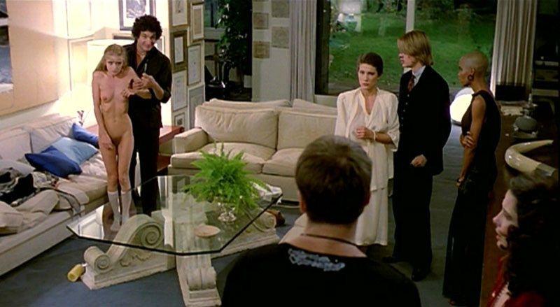 「鮮血の美学」のD・ヘスが異常殺人鬼を演じるエロティック・バイオレンス。