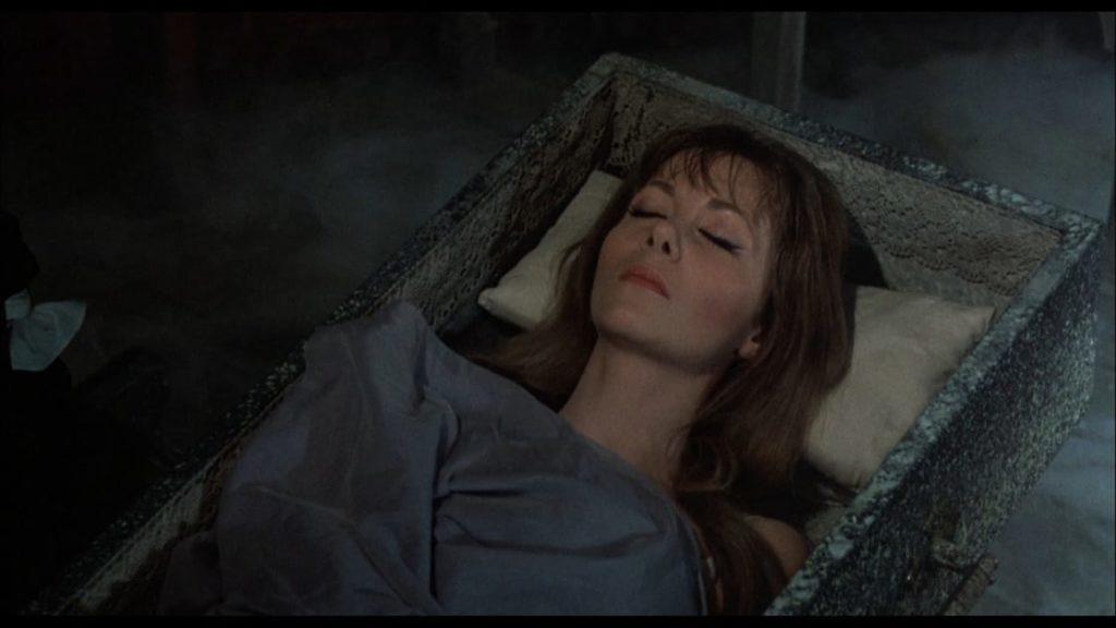 ハマー・ホラー美女として人気があった吸血鬼カーミラを演じたイングリッド・ピット。