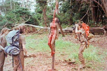 女体串刺し描写