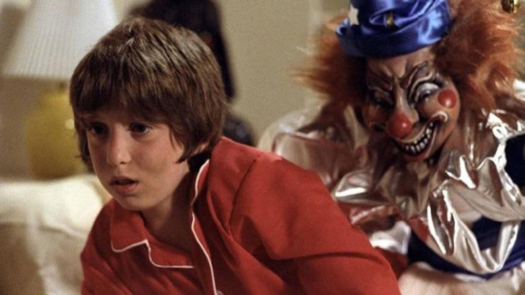 オカルト映画「ポルターガイスト」に登場するピエロ人形は、恐いピエロの原点。