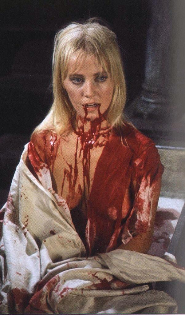 女吸血鬼カーミラ・シリーズの第2弾。女子寮を舞台にユッテ・ステンスガードが演じる女吸血鬼カーミラが騒動を巻き起こす。