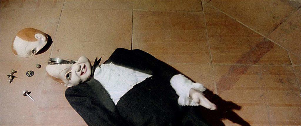 『サスペリアPART2』に登場する奇怪な「からくり人形」はトラウマキャラとして名高い。