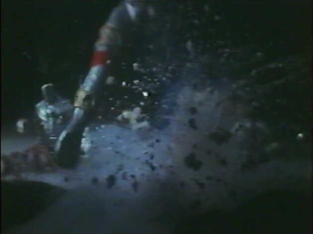 エースロボットは、エースキラーが放ったゾフィーの必殺技であるM87光線によってバラバラに破壊された。