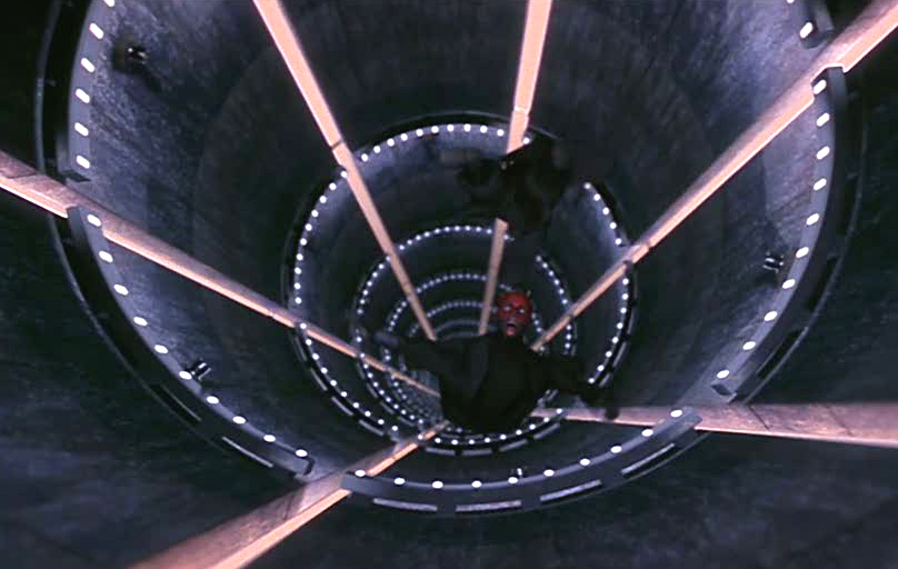 ダース・モールはライトセーバーを蹴落としてオビ=ワンも追い詰めるが、クワイ=ガンのライトセーバーを使用する意表を突いたオビ=ワンの攻撃によって胴を両断され、溶解孔に落ちて消えた。