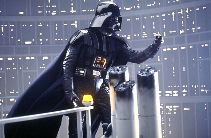 ダース・ベイダーの名台詞「私がお前の父親だ」。ダース・ベイダーがルークの父親であるという衝撃の展開。