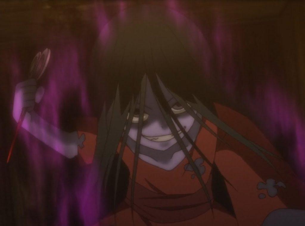篠崎サチコは、哲志たち5人を廃校舎(歪んだ世界)に閉じ込めた元凶である女子生徒の怨霊。元凶。廃校のあちこちに出現する亡霊は、篠崎サチコによって歪んだ世界に引きずり込まれて死んだ人々の霊。