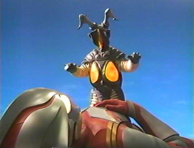 初代ウルトラマンの最期をオマージュしたシーン。プロトマケットウルトラマンメビウスのメビュームシュートをゼットンは吸収し、ウルトラマンメビウスに撃ち返す。カラータイマーを破壊されたメビウスは初代ウルトラマンのように死亡する。