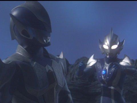ニセハンターナイト ツルギは、ババルウ星人が地球人に「青いウルトラマン」を敵視させるために変身した姿。