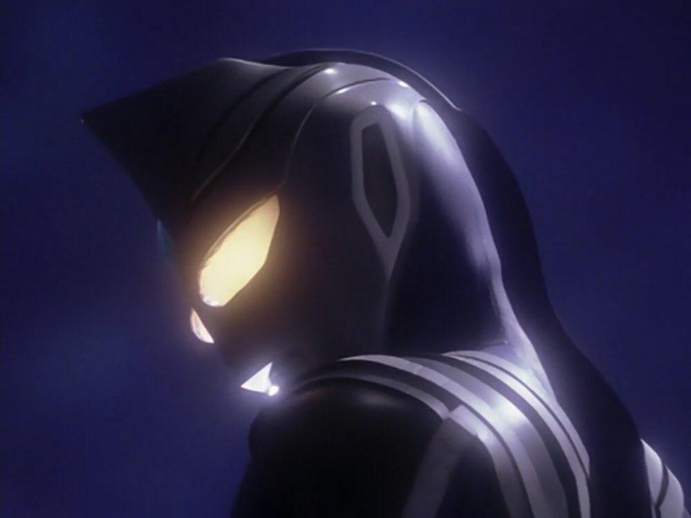 幻影ウルトラマンアグルとは、ウルトラマンガイアに登場するにせウルトラマン。ウルトラマンアグルの幻影であり、藤宮を味方に引き込むことに失敗した超空間波動生命体クインメザードが、追跡してきたガイアを迎撃する為に生み出した。