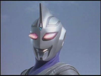 金属生命体アルギュロスがアグルに変身した姿で、アグルの力をすべて使うことができる。