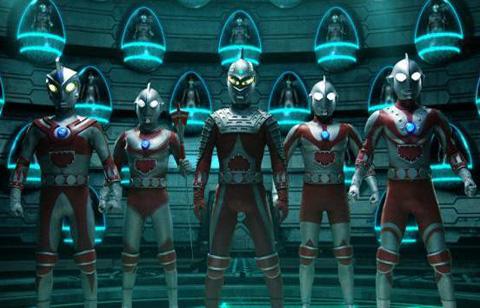 ニセウルトラセブン(SR)、ニセゾフィー(SR)、ニセウルトラマン(SR)、ニセウルトラマンジャック(SR)、ニセウルトラマンエース(SR)。SRは、サロメロボットの略。