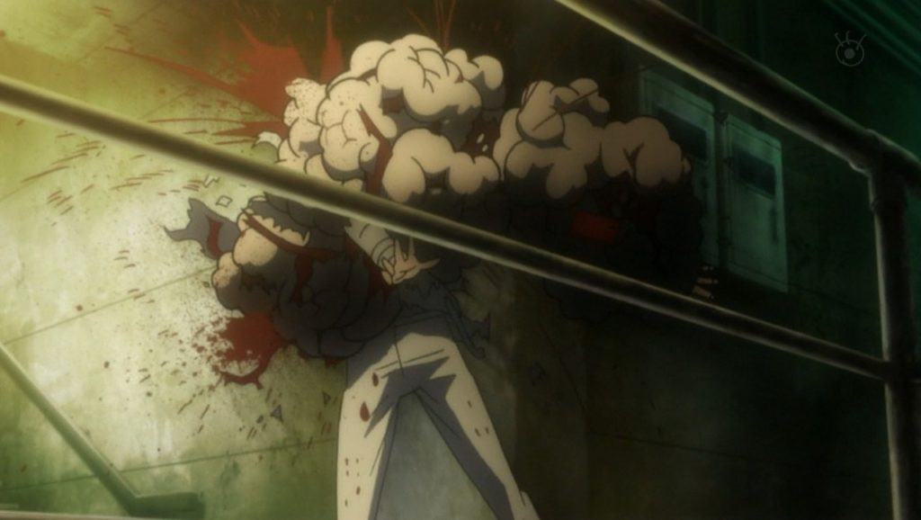 ドミネーターは、対象の犯罪係数が300を超えると排除の判断が下され、エリミネーター(殺人銃/リーサル)に切り替わる。この銃で撃たれた人間は、全身の血液が沸騰し、体がぶくぶくと膨れ上がり弾け飛んで死亡する。