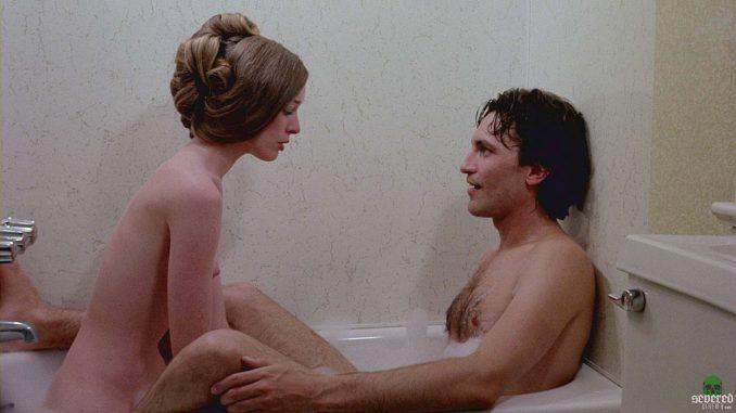 「悪魔のえじき」は、1977年に実際に起こった事件を元に製作したB級スプラッタホラー。男達に凄惨なレイプをされた女性が復讐をするレイプ・リベンジ・ポルノの記念碑的な傑作。