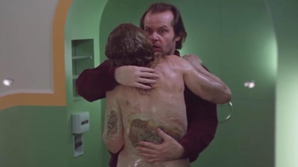 ジャックが抱きしめてキスをした浴室の若い女は、腐乱した老女に変貌していた…。