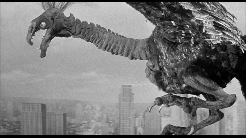 巨大な七面鳥のような怪鳥が大暴れするSFパニック映画。