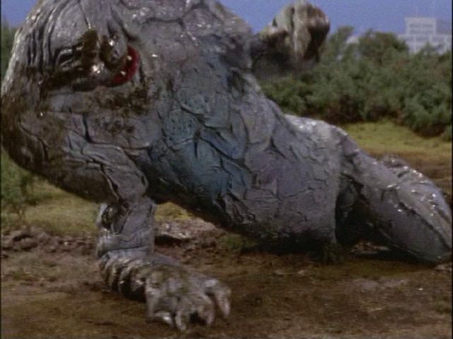 泥の中でのたうちまわるジャミラは、視聴者にトラウマを刻み込んだ。