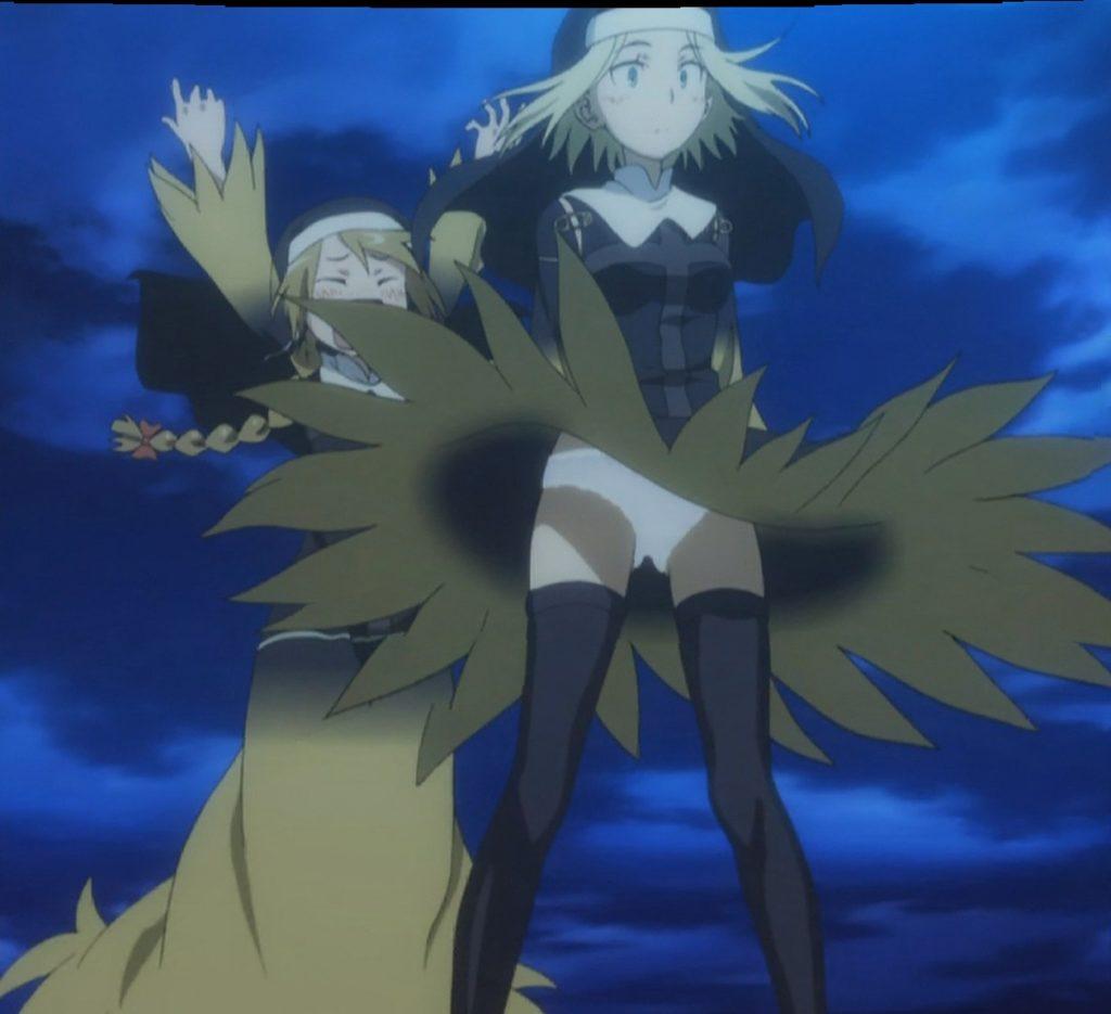 アンジェレネは、スカート捲りの達人。そのためいつもルチアはその被害者となる。