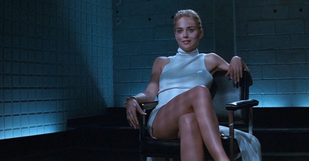 シャロン・ストーンがエロティックな演技で魅せるサスペンスミステリー。その妖艶な演技で90年代のセックスシンボルに。