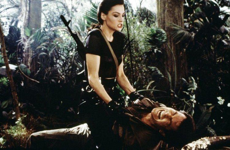 ファムケ・ヤンセンは、『007 ゴールデンアイ』で暗殺者ゼニア・オナトップを演じて注目された。3作続けての準主役といえる『X-メン』での、ジーン・グレイ役は注目を集めた。