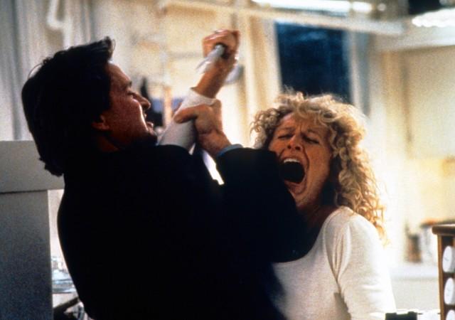 『危険な情事』(1987)のアレックス・フォレスト(演:グレン・クローズ)は、映画史に残る「怖い女」の代表格。
