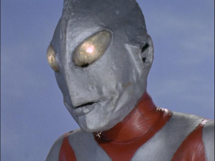 ウルトラマンAタイプは、頬がこけて皺のよったような顔が特徴的であり、少し不気味な印象かもしれない。