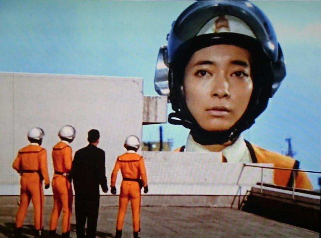 巨大フジ隊員は、地球を狙う侵略者・メフィラス星人が、捕らえたフジアキコ隊員を巨大化させて操ったもの。
