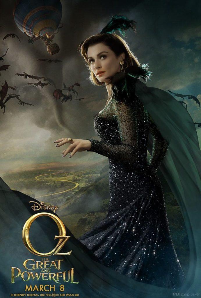 東の魔女エヴァノラ(演:レイチェル・ワイズ)は、セオドラの姉でエメラルド・シティの摂政。オズの国王の元顧問であったが、国王を殺して彼の娘のグリンダを犯人に仕立て上げる。悪い魔女となり、緑のネックレスを着用することにより醜い姿を隠して若い女性の姿になっている。