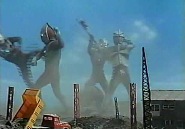 アストラに化けたババルウ星人の画策によってウルトラ兄弟とレオ兄弟が対立してしまう。