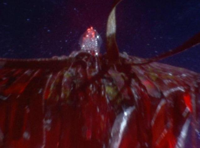 シルバーブルーメは、防衛チーム「MAC 」のアジア本部ステーションを強襲し、ウルトラセブン(モロボシ・ダン)を含めMAC隊員を基地ごと丸呑みにして全滅させた。ウルトラシリーズ最悪トラウマ怪獣。