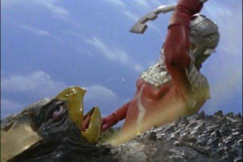 ギエロン星獣は片腕をもぎ取られ、最後にはセブンのアイスラッガーで首を切り裂かれて敗北。もはや再生する事もなく、そのまま絶命した。