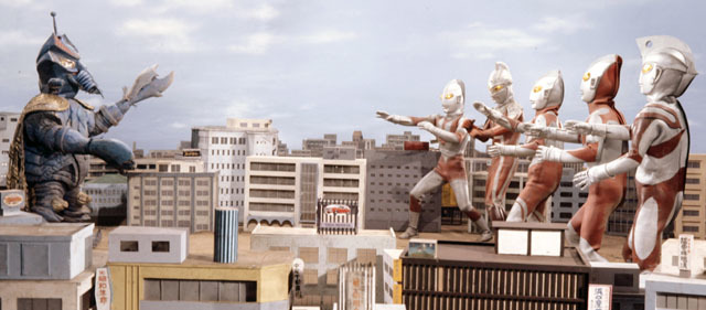 テンペラー星人は、ウルトラ6兄弟を相手に多彩な技で圧倒する極悪宇宙人。