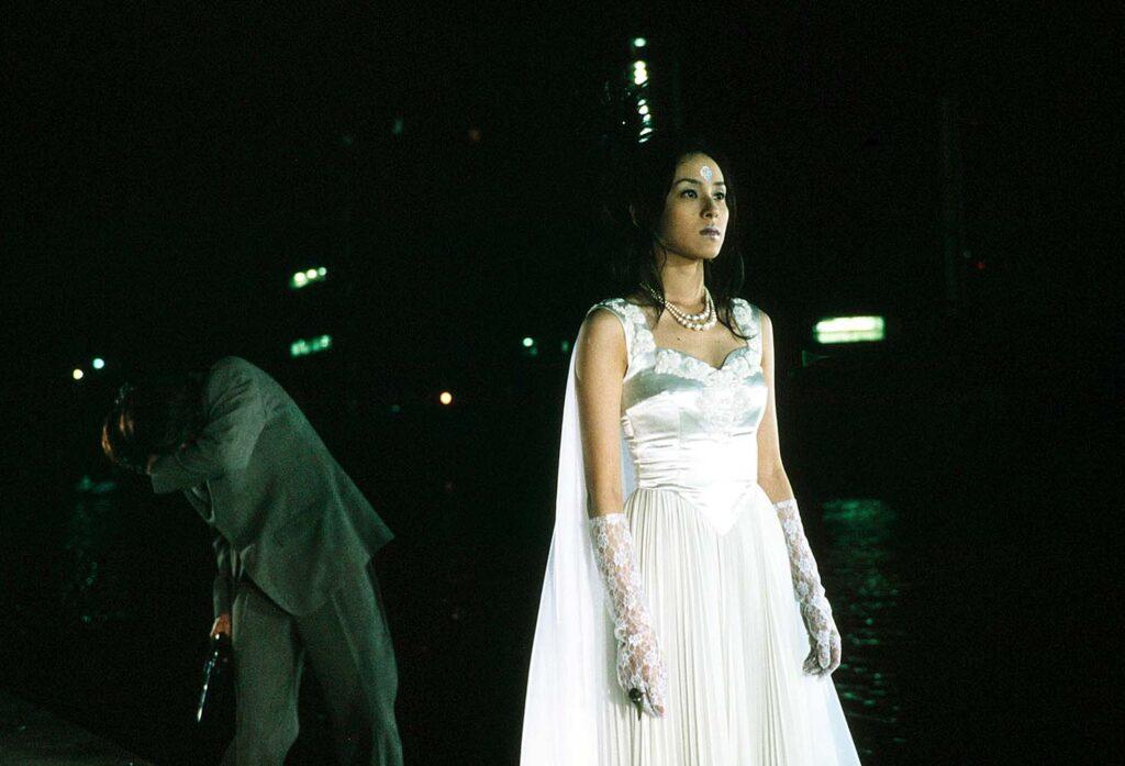 『仮面ライダークウガ』の「ラ・バルバ・デ / バラのタトゥの女」役:七森美江(ななもり みえ)