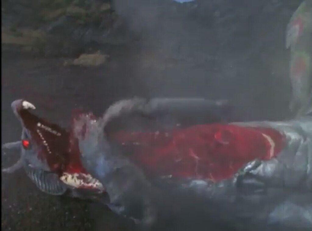 2代目ムルチは、誤ってドラゴリーに衝突し、バラバラにされる。下あごを裂かれ、片足をもぎ取られてしまい鳴き声を上げながら絶命する。