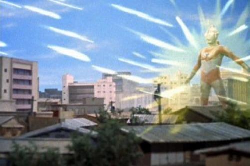 ブレスレットが主人であるはずのウルトラマンに襲いかかる!!
