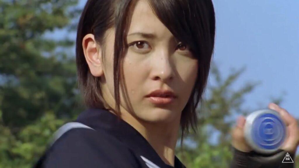 「風のシズカ / 風のスーパーシズカ」役:山崎真実(やまさき まみ)「ま―だ終わりじゃないよ。地球一の女子高生がヤキいれてあげるわ!」