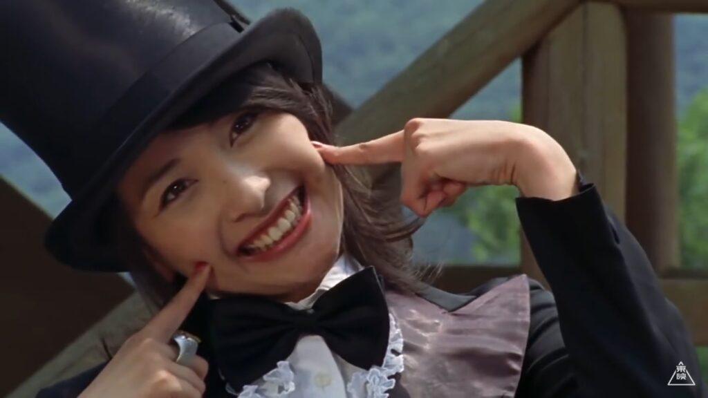 「風のシズカ / 風のスーパーシズカ」役:山崎真実(やまさき まみ)は、マジシャンのコスプレも似合う。他には神社の巫女、教師などのコスプレも披露した。